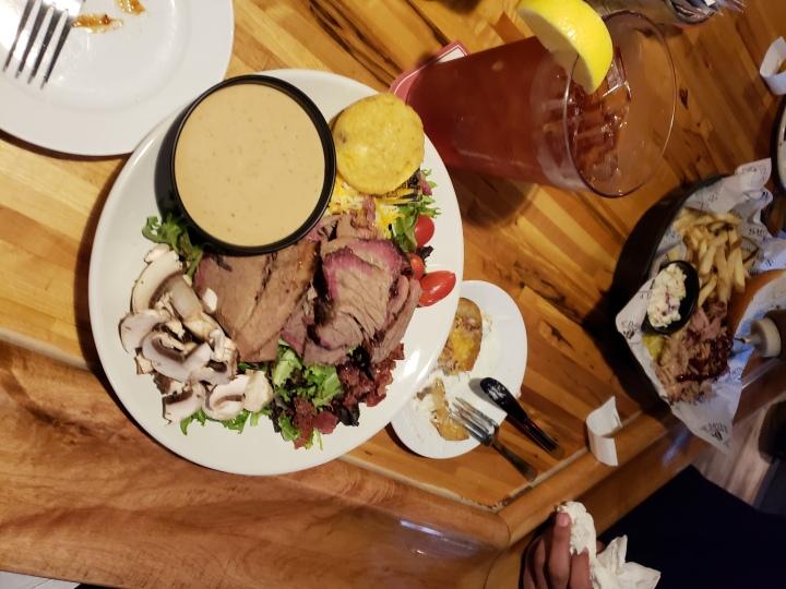 smokin daves plate meat salad